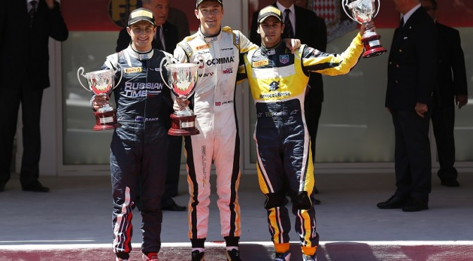 Palmer wins action-packed feature race