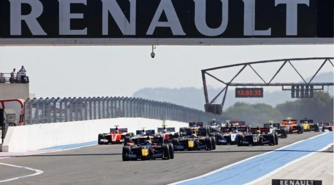 SAINZ WINS AHEAD OF TWO FRENCHMEN AT CASTELLET